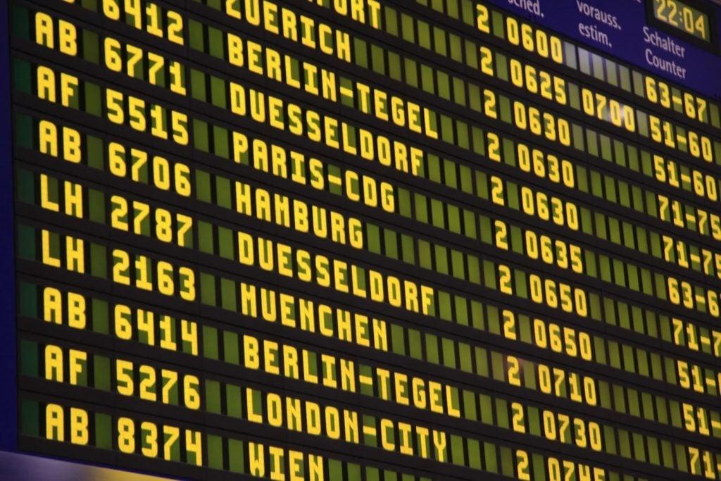 airport-screen